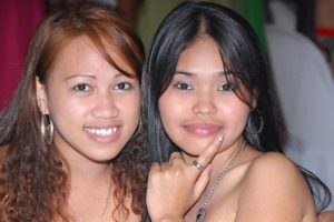 young-filipino-women-090